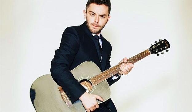 Siamo Uguali é a música escolhida por Lorenzo Fragola para o festival de Sanremo