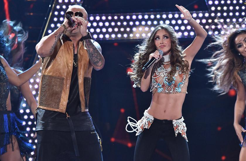 Anahi e Wisin se apresentaram juntos nos Premios Juventud