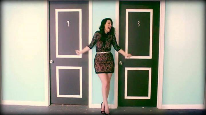 Nella Porta Accanto é o novo single de Laura Pausini e uma das melhores músicas para a trilha sonora de um amor
