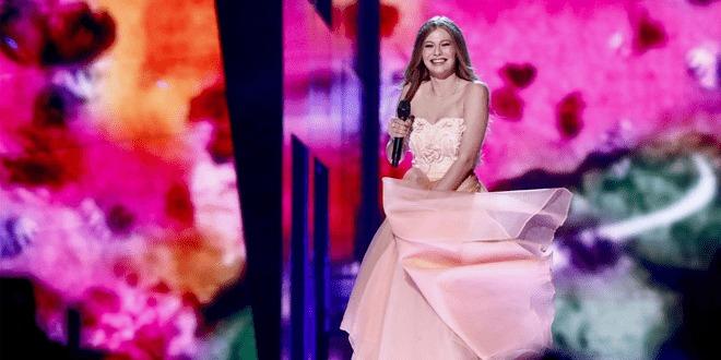 Cantando em francês, Zoë representa a Áustria no Eurovision 2016