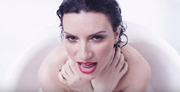 He creido en mi é o single espanhol de Laura Pausini