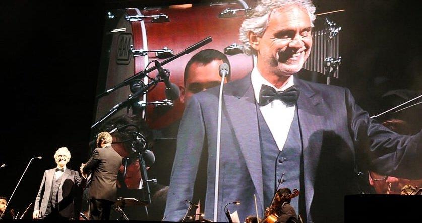 Anitta surpreende em show de Andrea Bocelli em São Paulo