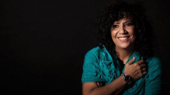 Rosana Apresenta Novo Single En La Memoria De La Piel