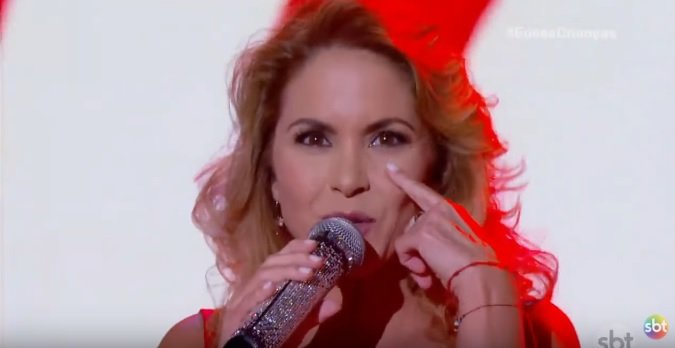 Luceero anuncia lançamento de disco no Brasil