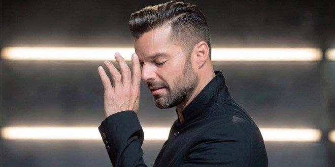 Ricky Martin faz aniversário em 24 de dezembro