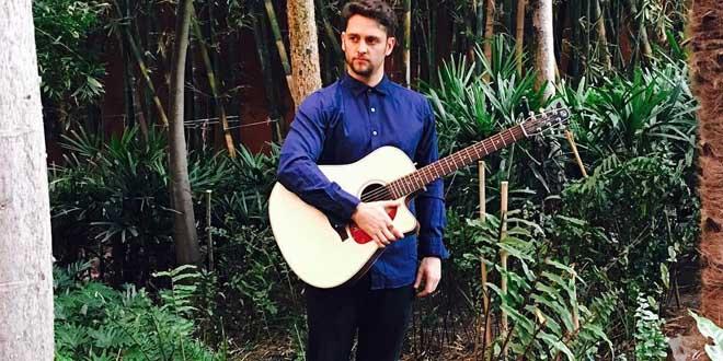 O ex RBD Christopher Uckermann já está no Brasil