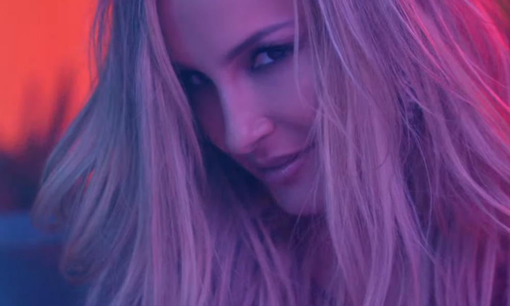 Claudia Leitte e Pitbull lançaram videoclipe em pleno domingo de Carnaval