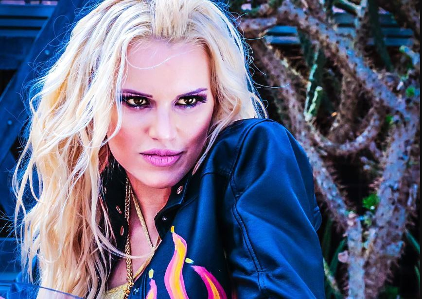 Francinne lança o EP La Rubia