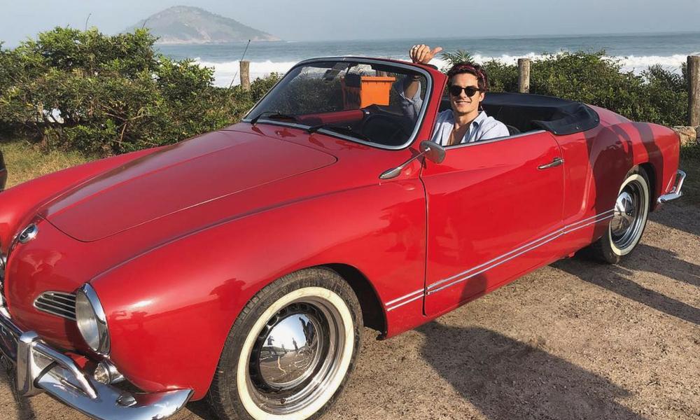 O vocalista do Dvicio Andrés Ceballos está no Rio de Janeiro trabalhando com Sasha Meneghel, filha da Xuxa