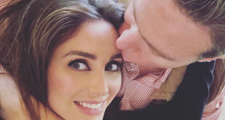 Anahi: da fama à sombra do marido político