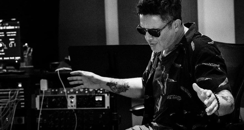 Alejandro Sanz lançou o single No Tengo Nada