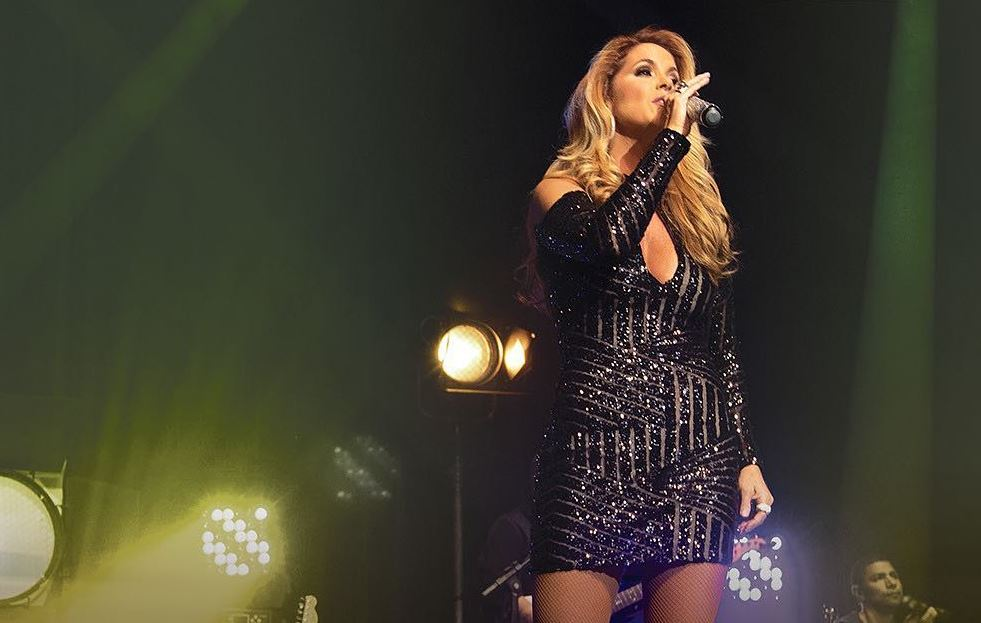 Lucero lança primeiro single do DVD Brasileira