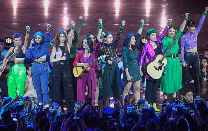 Julieta Venegas fala sobre feminicídio em novo single