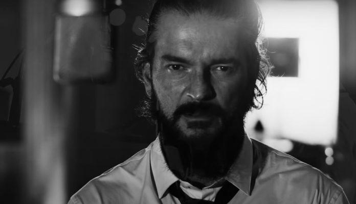 Tarot é o novo clipe do Ricardo Arjona